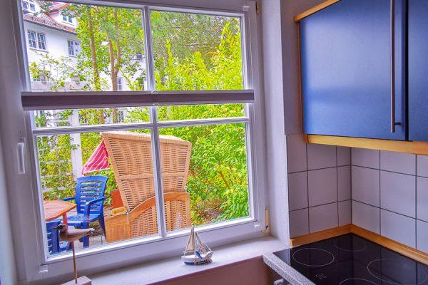 Blick auf Terrasse der 3-Raum-Fewo-Plus in Binz auf Rügen
