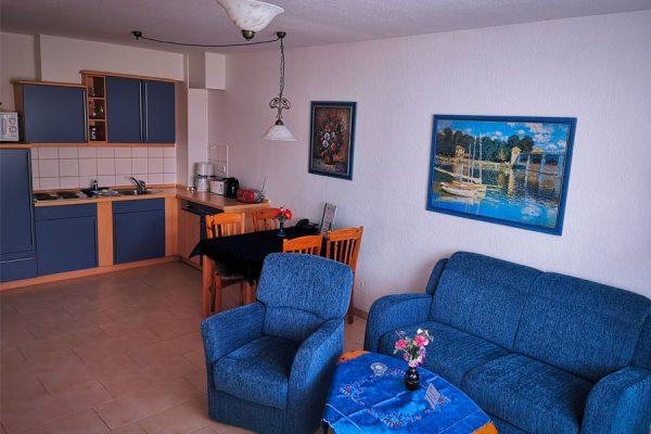 Wohnbereich 3-Raum-Appartement im Feriendomizil Binz auf Rügen